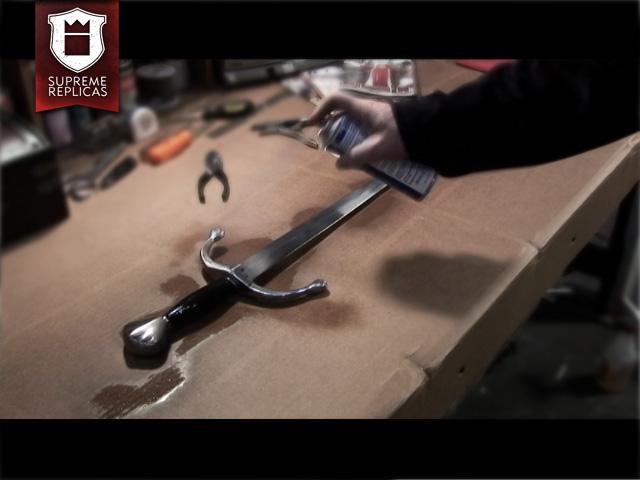 Blankwaffenpflege - alle Stahlteile mit dünnem Ölfilm bedecken